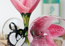 pink stargazer lilly wine glass