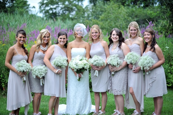 Rustic Chic Wedding in the Massachusetts | http://emmalinebride.com/real-weddings/rustic-chic-wedding/ | photo: Laura Wagner Photography