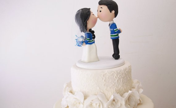 cute kissing couple cake topper vancouver hockey jerseys