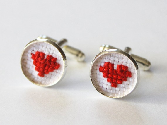 heart cuff links for the groom | by Aristocrafts | http://emmalinebride.com/gifts/initial-necklaces-for-bridesmaids/