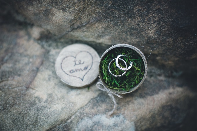 Plan Destination Elopement Weddings in Colorado or Kentucky   Angelyn + Justin's Red River Gorge Wedding in Kentucky (Intimate small wedding)   http://www.emmalinebride.com/real-weddings/plan-a-breathtaking-destination-elopement-in-kentucky-colorado-mountains/   photo: My Tiny Wedding/Two Colorado - Kentucky and Colorado Wedding Photographer, Venue, Officiate wedding package