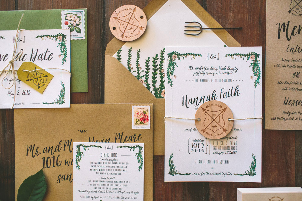 7 Amazing Rustic Wedding Invitations Etsy Finds | Emmaline Bride