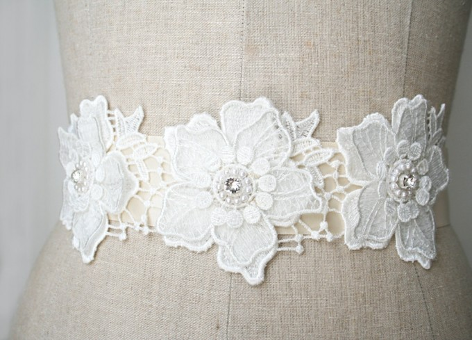 Beaded flower dress sash with rhinestones | by Laura Stark | sashes dress | http://emmalinebride.com/bride/bridal-sashes-dress