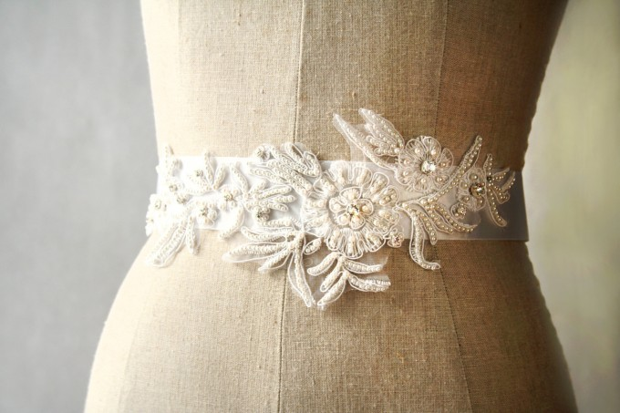 Pearls and Crystals Dress Sash | by Laura Stark | sashes dress | http://emmalinebride.com/bride/bridal-sashes-dress