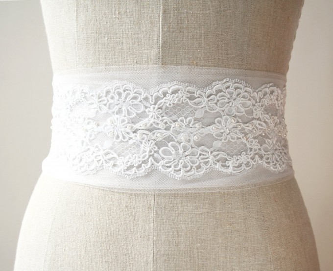 Tulle alencon lace sash | by Laura Stark | sashes dress | http://emmalinebride.com/bride/bridal-sashes-dress