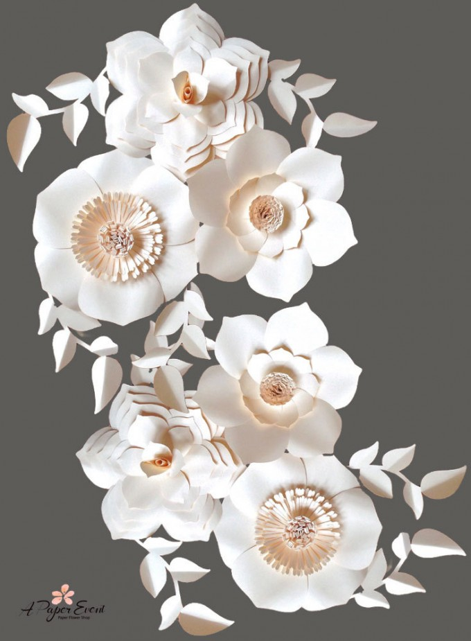 Paper Flower Backdrops Weddings by A Paper Event | http://emmalinebride.com/reception/paper-flower-backdrops/