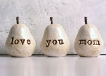 love you mom pears by skyeart