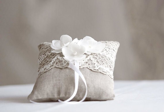 rustic ring pillow with silk flowers linen | 41 Beautiful Rustic Ring Pillows on Etsy | http://emmalinebride.com/rustic/ring-pillows-etsy-weddings/