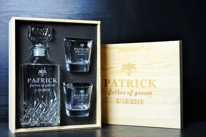 engraved whiskey set with gift box