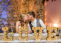 love_sign_reception_table_wedding_decor