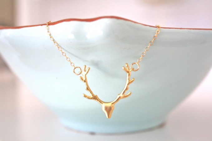 gold deer antler necklace | by ava hope designs | http://emmalinebride.com/wedding/deer-antler-necklace