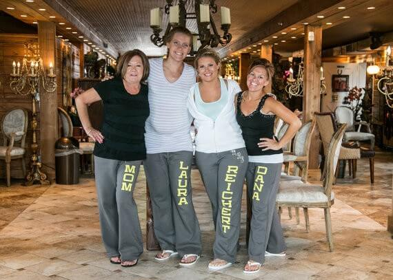 yoga style bridesmaid sweatpants | bridesmaid yoga pants, tank tops, gifts & more | http://emmalinebride.com/gifts/bridesmaid-yoga-pants-gifts/