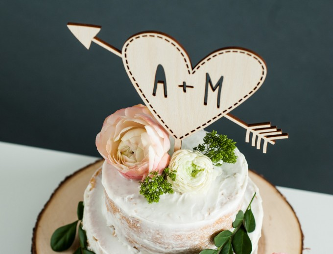 heart and initials cake topper | http://emmalinebride.com/wedding/heart-and-initials-cake-topper/