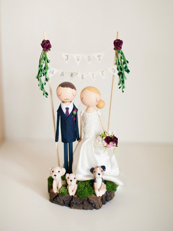 couple cake topper with arch