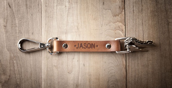 personalized-leather-keychain-for-groomsmen