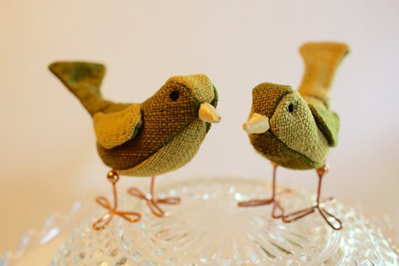 sage green wedding cake topper birds | via Sage Wedding Ideas from http://emmalinebride.com/color/sage-green-wedding-ideas/