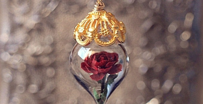 beauty-and-the-beast-rose-flower-necklace