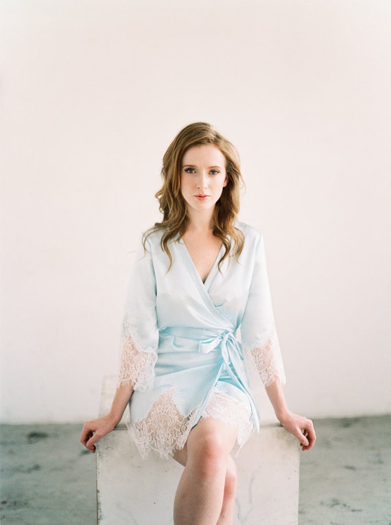 Blue Bridal Robe for Getting Ready | Photo: Lara Lam | Robe: Marisol Aparicio | via http://emmalinebride.com/wedding/blue-bridal-robe/