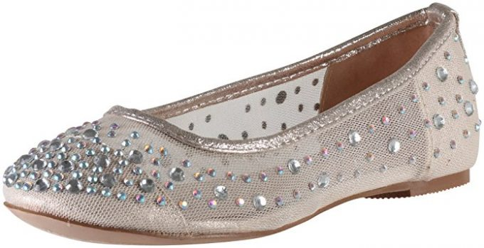 Gold Mesh Flats | via 21 Wedding Flats That Will Look Beautiful for the Bride - http://emmalinebride.com/bride/wedding-flats-bride/