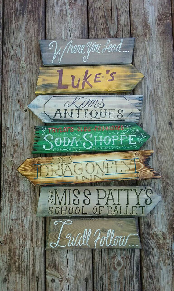 directional-sign-for-stars-hollow-by-devcodesigns