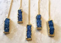 druzy-bar-necklaces-in-blue-by-onetribejewelry