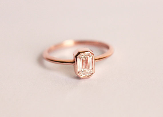 emerald-cut-engagement-ring-by-capucinne
