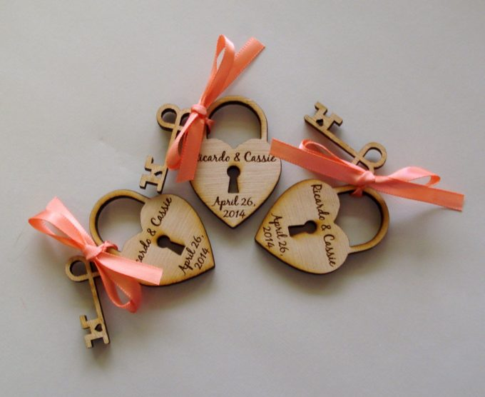 engraved-lock-and-key-wedding-favors-by-etchedintimellc