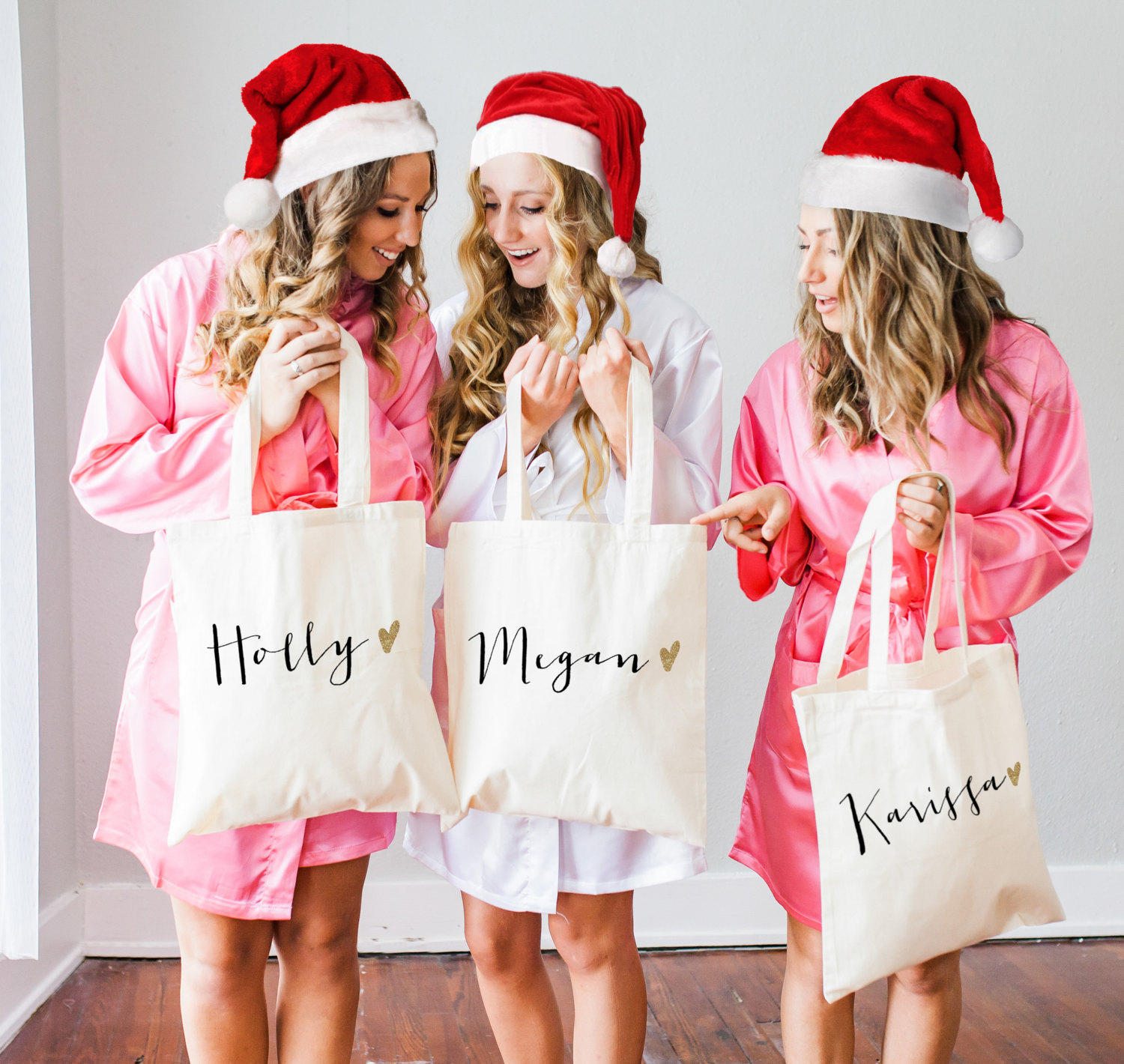 Bridesmaid Gifts From Bride: Personalized Tote Bags For Bridesmaids In Cute Font