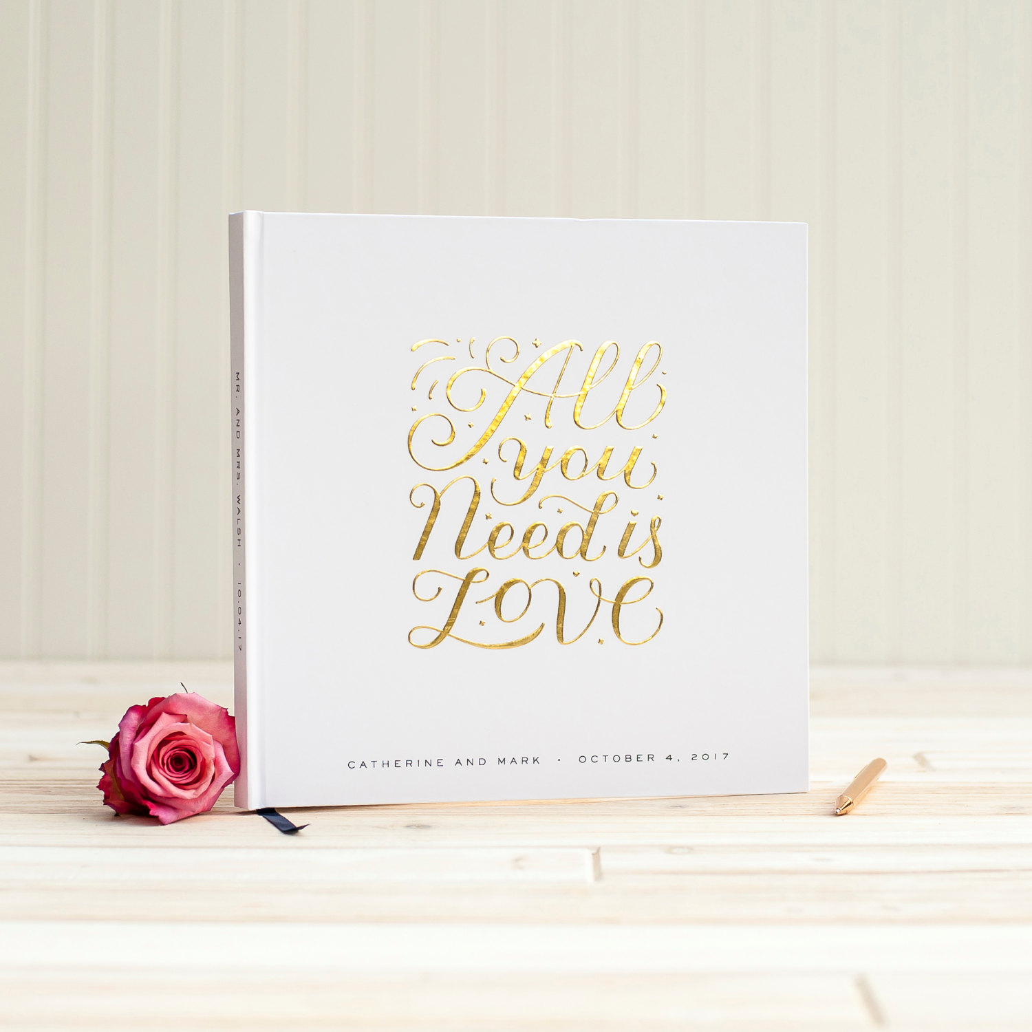 Gold Foil Guest Books - made from real foil! By Starboard Press. | https://emmalinebride.com/wedding/gold-foil-guest-books/