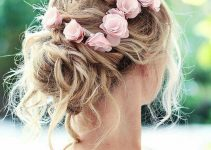 how-to-wear-flowers-in-your-wedding-hairstyle