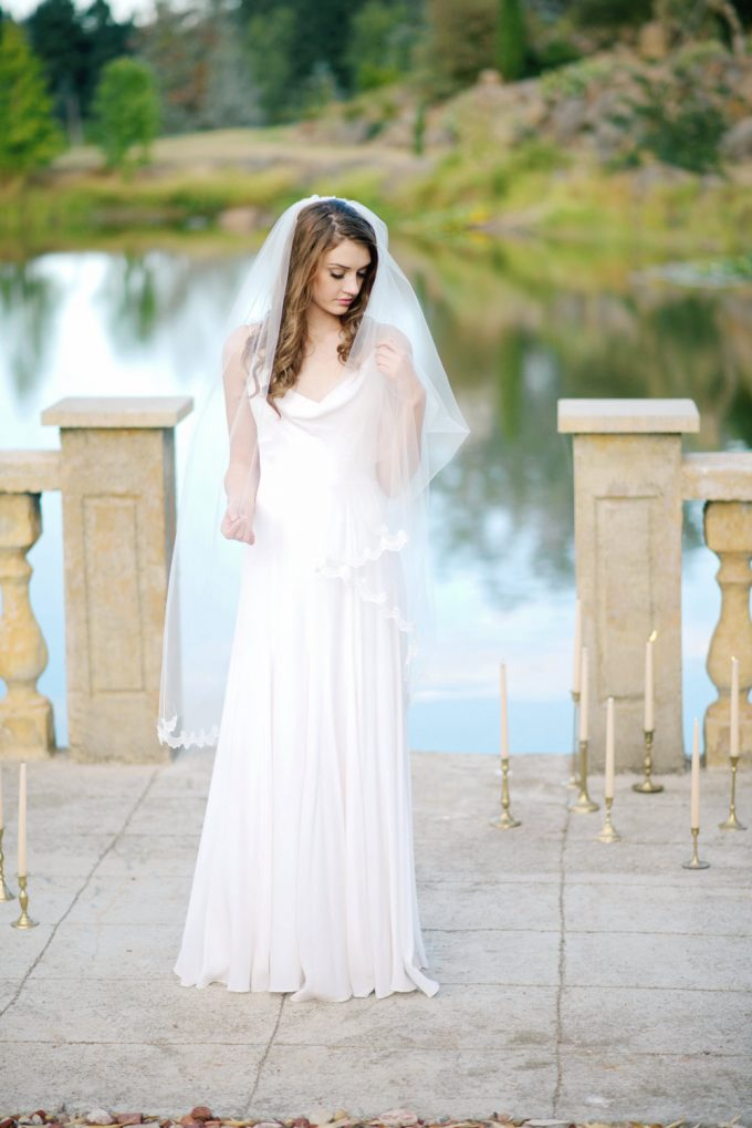 long wedding veils under $200 by Tessa Kim | http://emmalinebride.com/bride/long-wedding-veils-under-200/