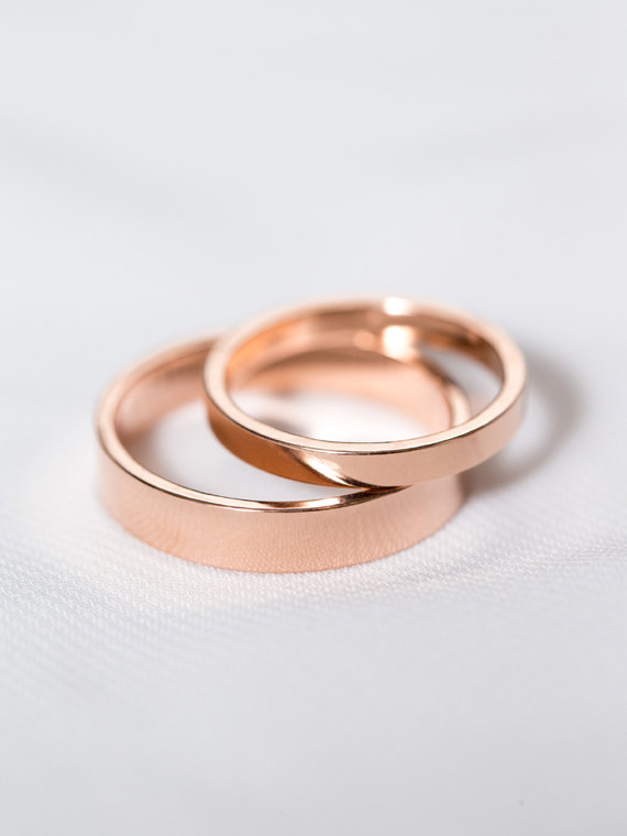 ebdda4e66 28 Unique Matching Wedding Bands His Hers Styles / Couples Rings