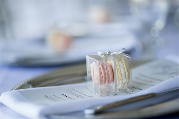 macaroon wedding favors in this Crystal Coast Wedding | North Carolina wedding photographed by Ellen LeRoy Photography - http://emmalinebride.com/real-weddings/breathtaking-crystal-coast-wedding-mara-will-married/