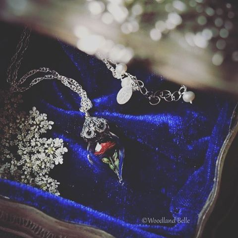 Belle would approve  TaleAsOldAsTime beautyandthebeast This rose necklace ishellip