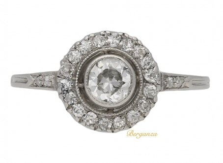 1920s antique engagement rings | via Berganza