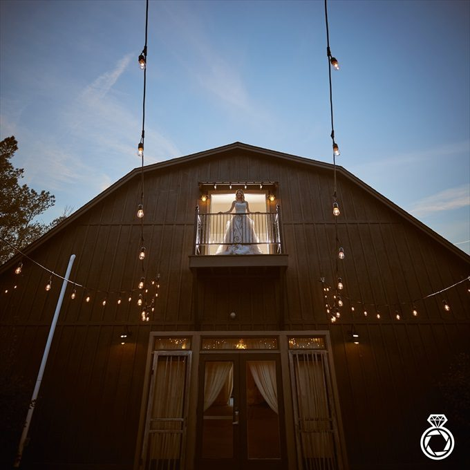 Barn Wedding Inspiration with Modern Flair | http://emmalinebride.com/real-weddings/barn-wedding-inspiration-with-modern-flair/ | photo by Marcus Anthony Photography - Wilmington Wedding Photographer
