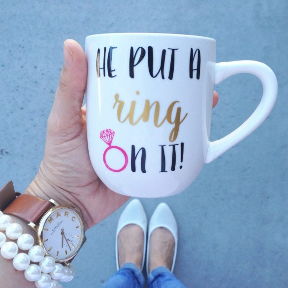 50+ Most Unique Engagement Gifts for Her via http://emmalinebride.com/gifts/unique-engagement-gifts-for-her/