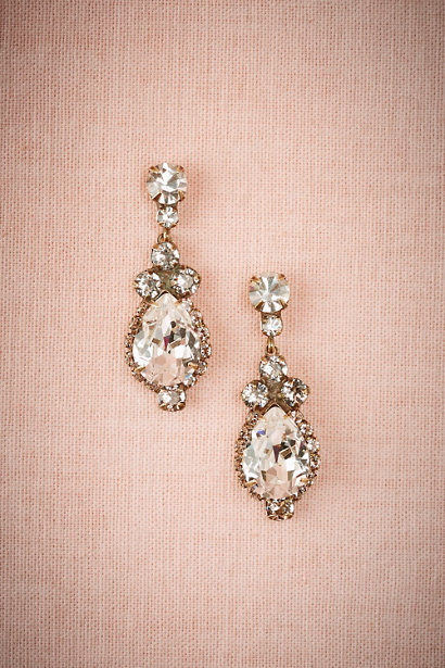 bridal drop earrings | from http://bit.ly/2z7oEnL