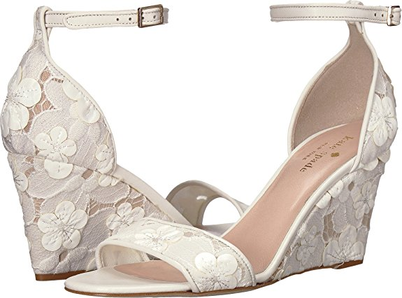 313dcd9e7 24 Beach Wedding Shoes That Will Make Brides Happy  )