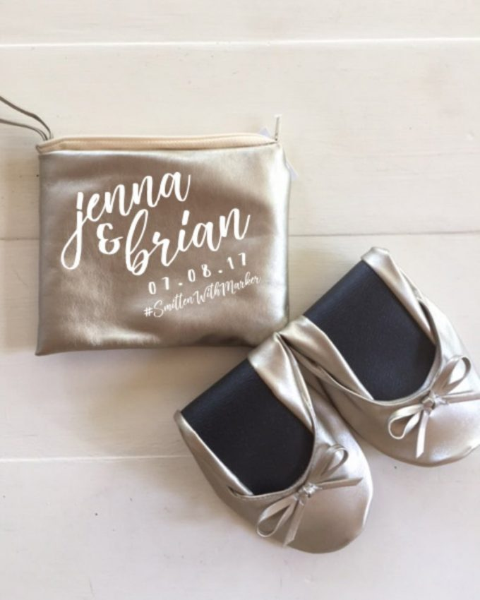 where to buy wedding flats for guests in bulk