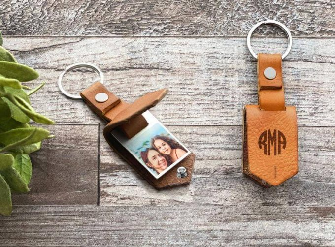 personalized leather keychain with photo