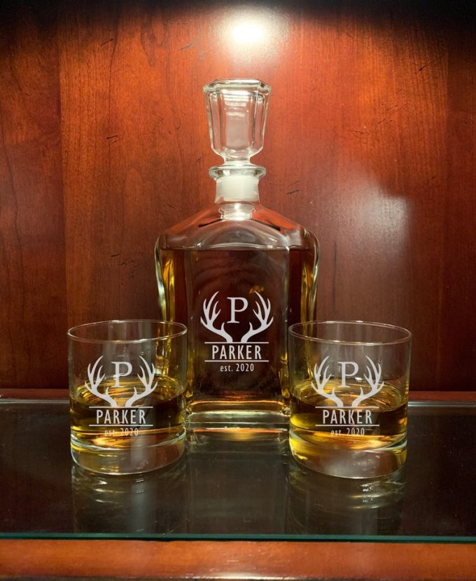 decanter set and 2 whiskey glasses