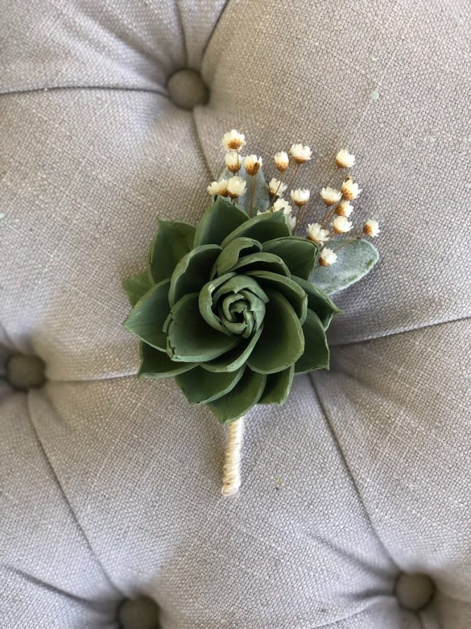 boutonnieres with succulents