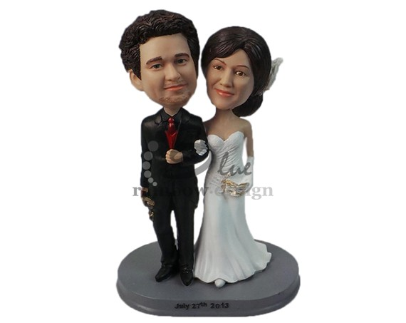 Custom Wedding Bobbleheads | http://emmalinebride.com/gifts/custom-wedding-bobbleheads/