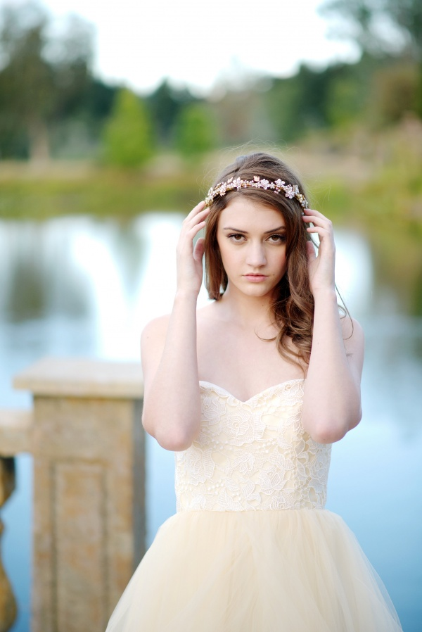 wedding headband | 8 Alternative Wedding Veil Ideas from Tessa Kim