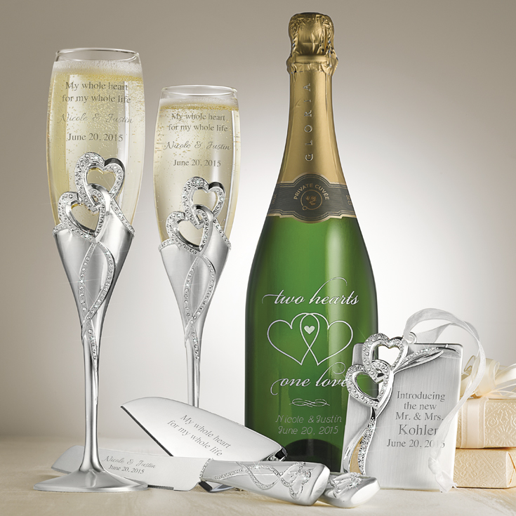 personalized champagne flutes from Things Remembered | via https://emmalinebride.com/2015-giveaway/personalized-champagne-flutes/