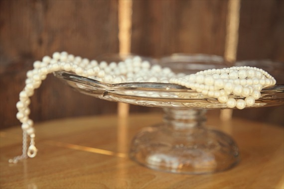 Drozian Photoworks - bride's pearl necklace