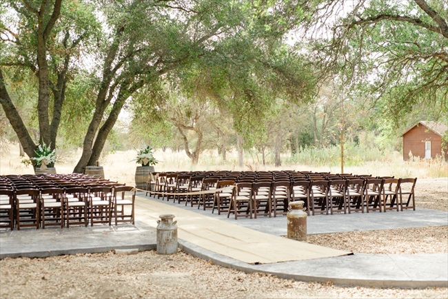 Dodasa Ranch Wedding photo: White Ivory Photography | via http://emmalinebride.com