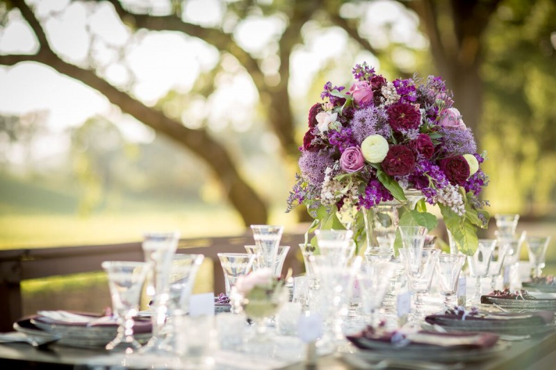 Winery Styled Wedding Shoot - Elegant Table Setting (photo: olivia smartt) http://emmalinebride.com/themes/winery-style-wedding/