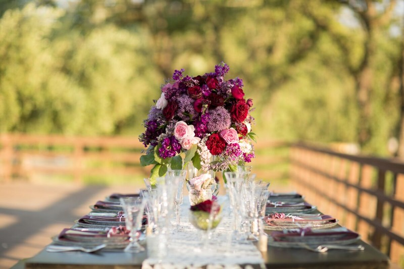 Winery Styled Wedding Shoot - Flower Centerpiece (photo: olivia smartt) http://emmalinebride.com/themes/winery-style-wedding/